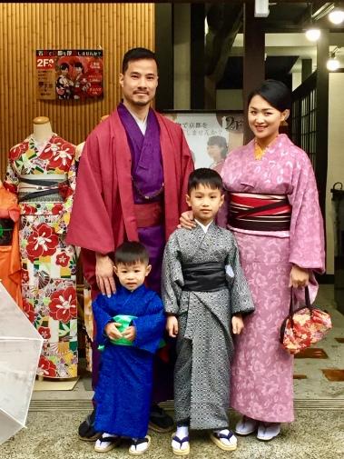 du-lich-gia-dinh-mac-kimono